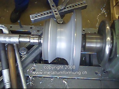 manual metal spinning